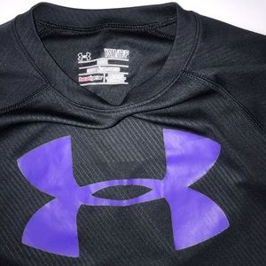 Under Armour Shirts & Tops - Under Armour Black Long Sleeve Thin Athletic Shirt
